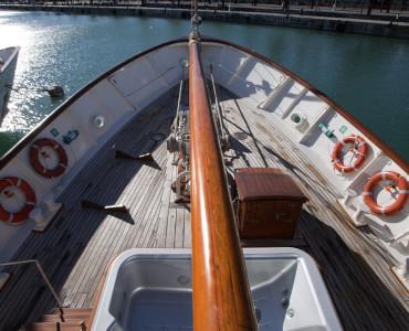 Coctel en barco para eventos