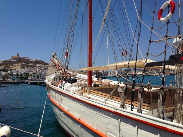"""Alquiler Paileboat Ibiza """"Tall Ship"""" de gran capacidad para eventos de hasta 150 personas. Ideal para bodas y celebraciones especiales."""