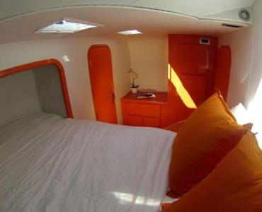 Catamarán 5 camarotes Alquiler Charter Barcelona Ibiza y Formentera